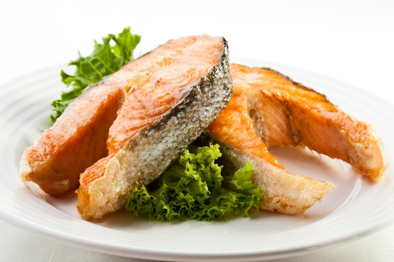 gesundes Leben Frauen gesunde Lebensmittel leckere Fischgerichte