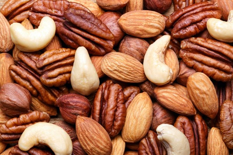 gesundes leben für frauen über 50 Ernährung umstellen Nüsse