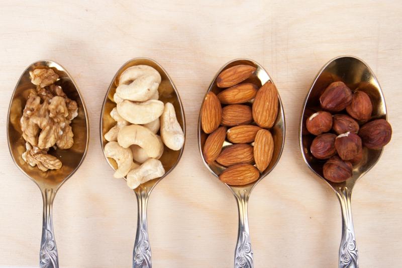 gesundes leben für frauen Ernährung umstellen Nüsse