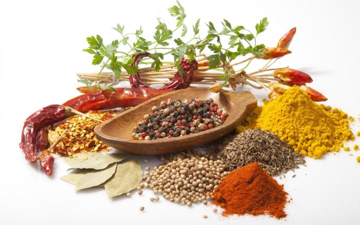 gewürze online gesund kochen kräuter petersilie pfeffer paprika