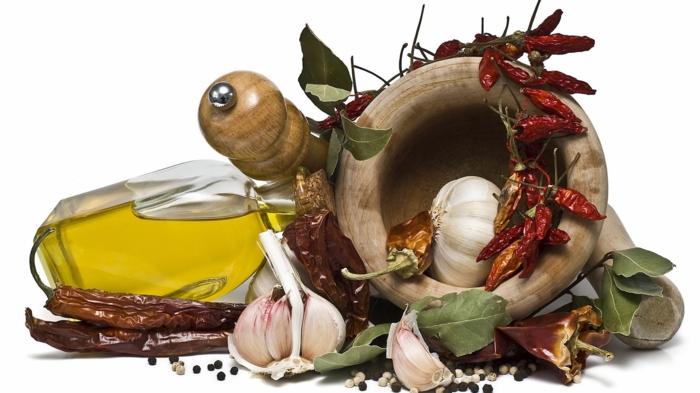 gewürze online gesund kochen mediterrane küche knoblauch lorbeer olivenöl