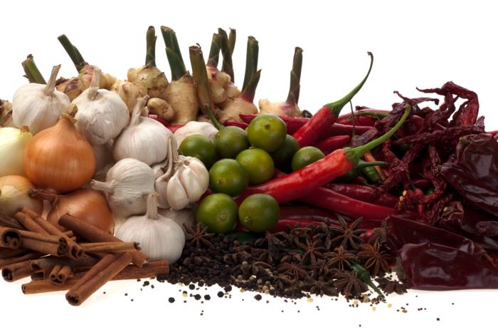 gewürze online gesund kochen zwiebeln knoblauch limetten