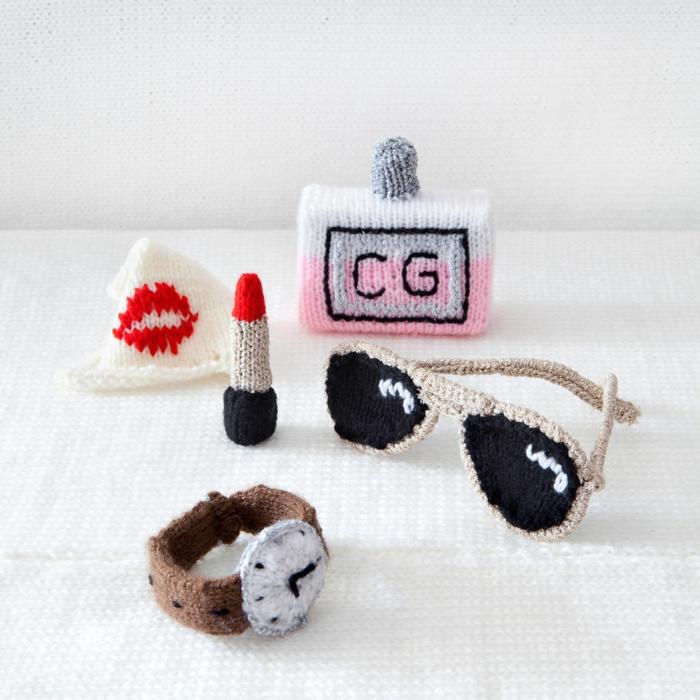 häkeln lernen strickarbeit damenaccessoires handtasche sonnenbrille uhr lippenstift