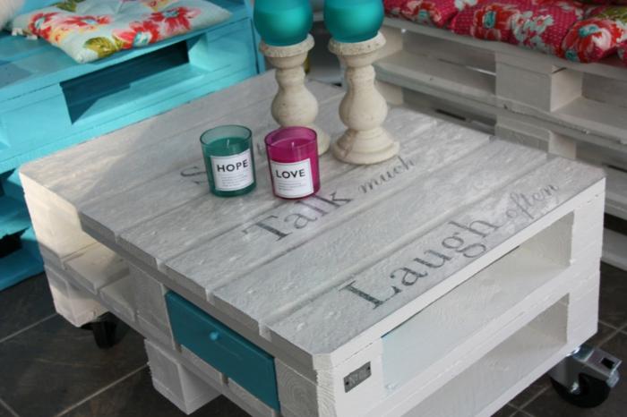 holzmöbel holz paletten möbel diy ideen couchtisch bänke weiß blau