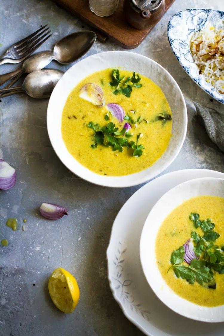 indischen Spezialitäten Yoghurt Suppe indischen Gewürze