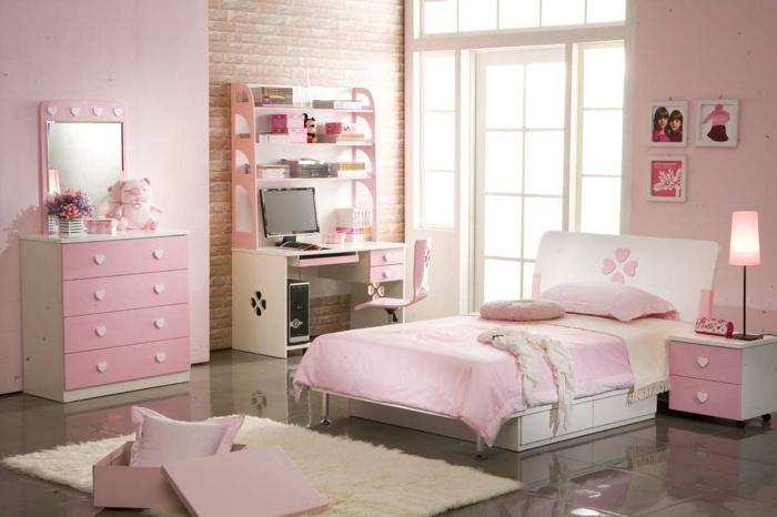 jugendbett mädchen rosanuancen weiße möbelstücke dunkle bodenfliesen