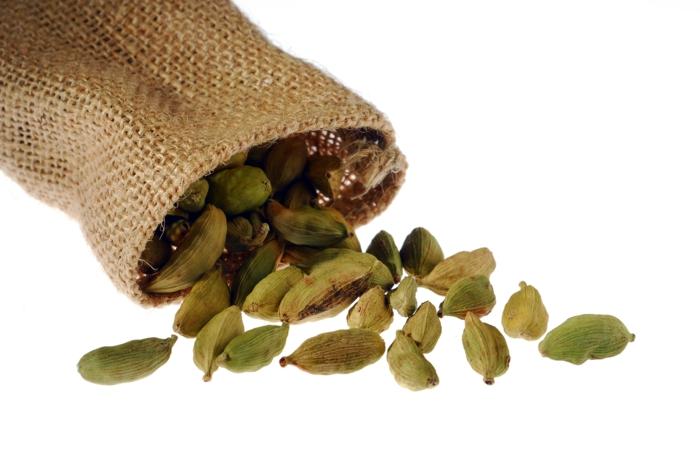 Elettaria cardamomum aromatisch gesund jutesäcke aufbewahrung