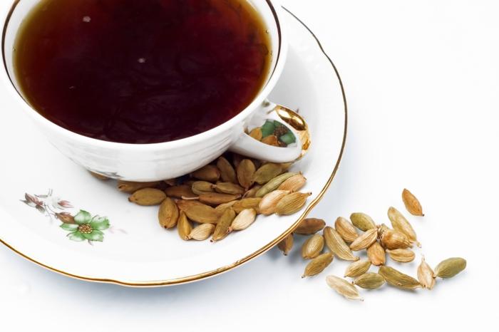Elettaria cardamomum tee gesund kochen trinken