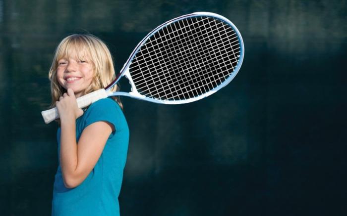 kindersport auswählen mädchen tennis spielen