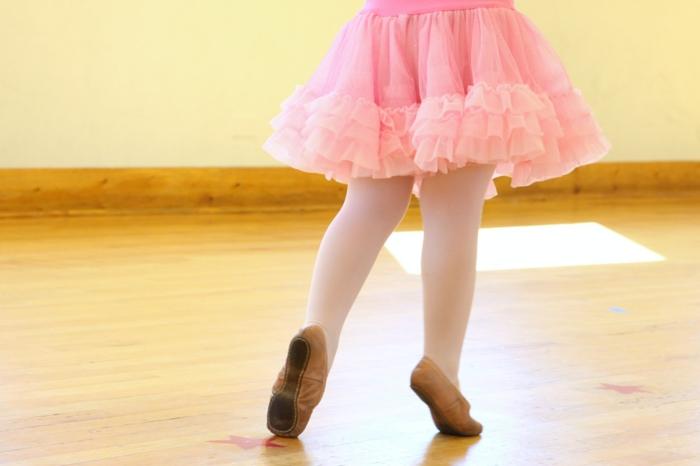 kindersport mädchen balett tanzen lernen