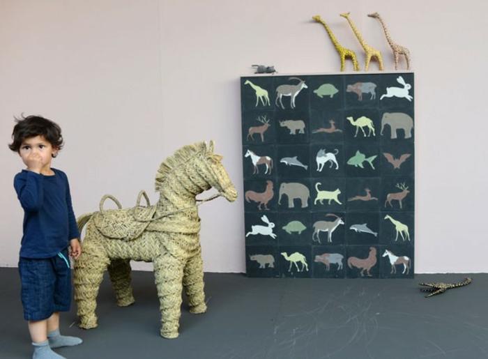 kinderzimmer einrichten Agnès Emery keramikfliesen giraffen deko