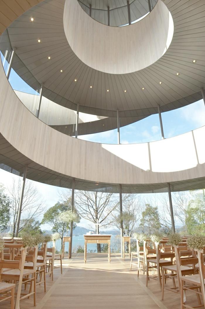 kirchliche trauung ribbon hiroshi nakamura japan architektur organische form