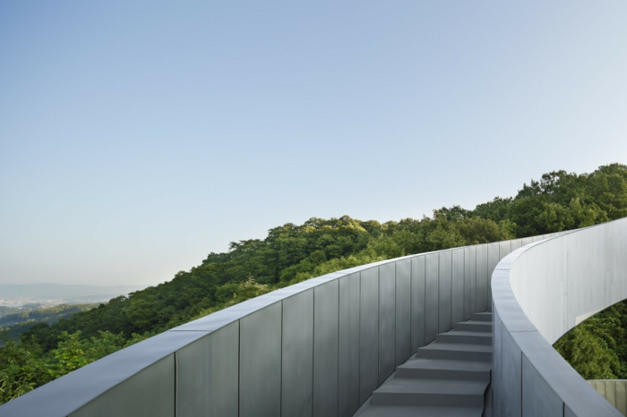 kirchliche trauung ribbon chapel hiroshi nakamura japan architektur treppe hinauf