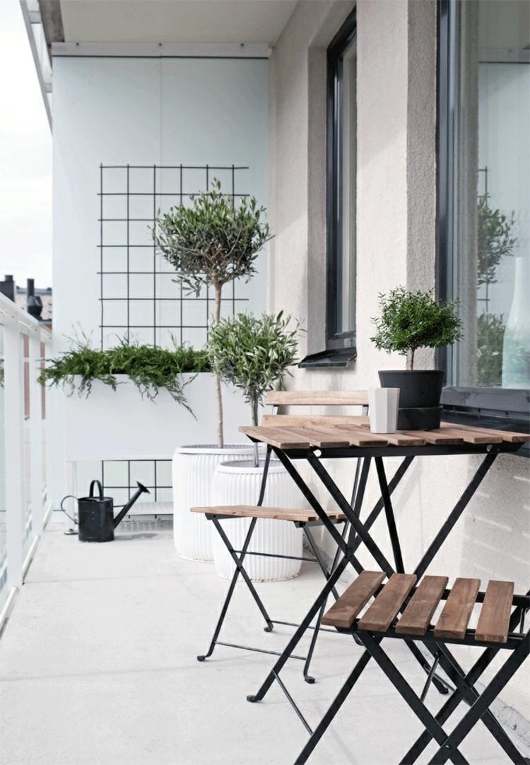klein Balkone gestalten Balkonmöbel für kleinen Balkon Klappmöbel