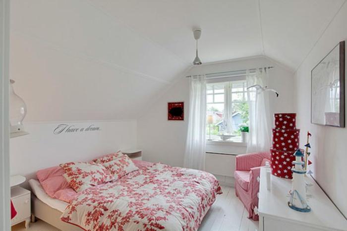kleines schlafzimmer einrichten doppelbett wandfarbe weiß rosa bettwäsche