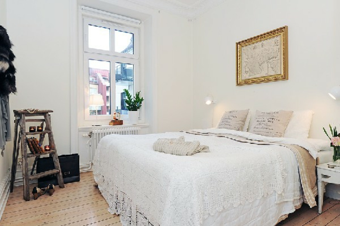 kleines schlafzimmer einrichten wandfarbe weiß holzleiter bücherregal