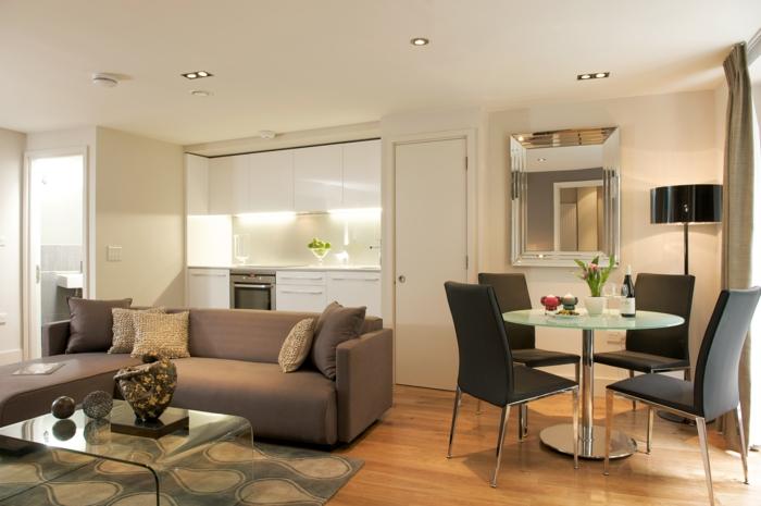 wohnzimmer einrichten kompakt gestalten graues sofa rudner esstisch stühle