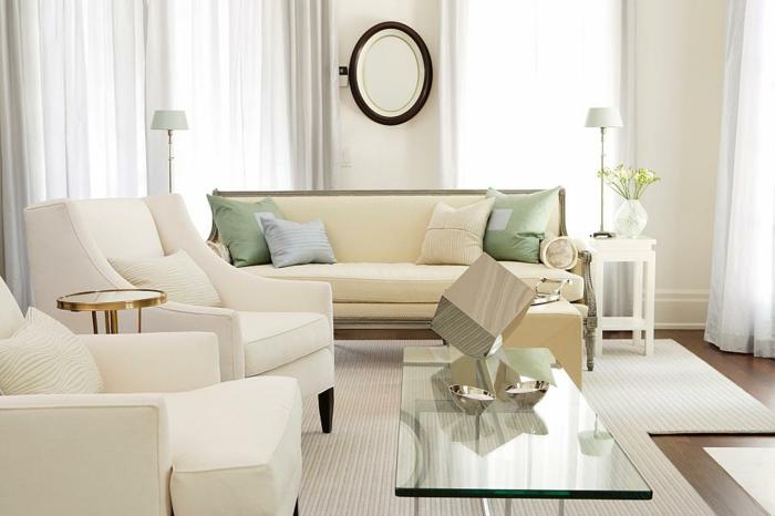 wohnzimmer einrichten weiße teppiche polsterung sofa sessel spiegel
