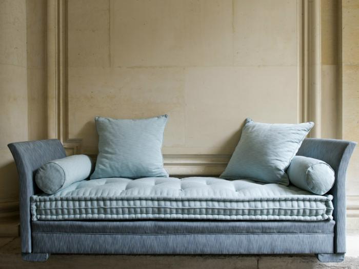 moderne sofas hellblau divan sofa dekokissen keine rückenlehne