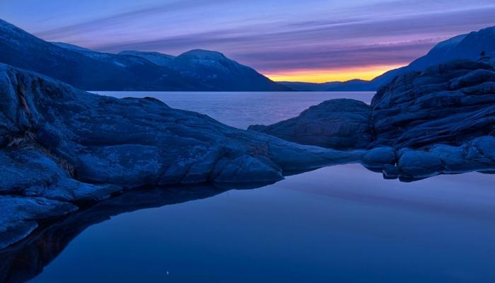 norwegen fjorde blau gelb