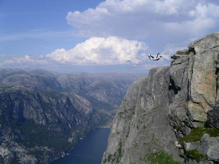 norwegen fjorde paragleiting