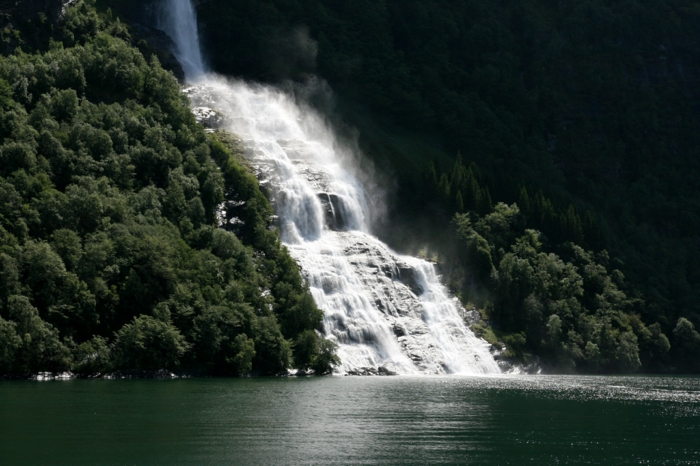 norwegen fjorde wasserfall geiranger fjord