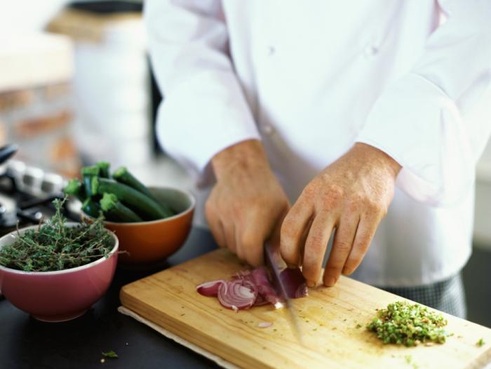 profi kochmesser test gute küchenmesser salat schneiden