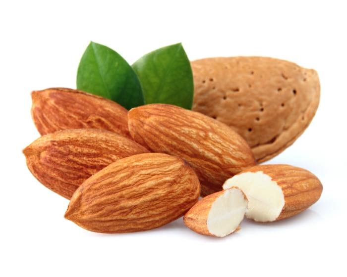proteinquellen-pflanzliche-mandeln-gesund