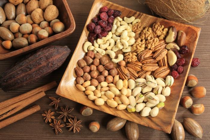 proteinquellen-vegetarisch-nüsse-gesund