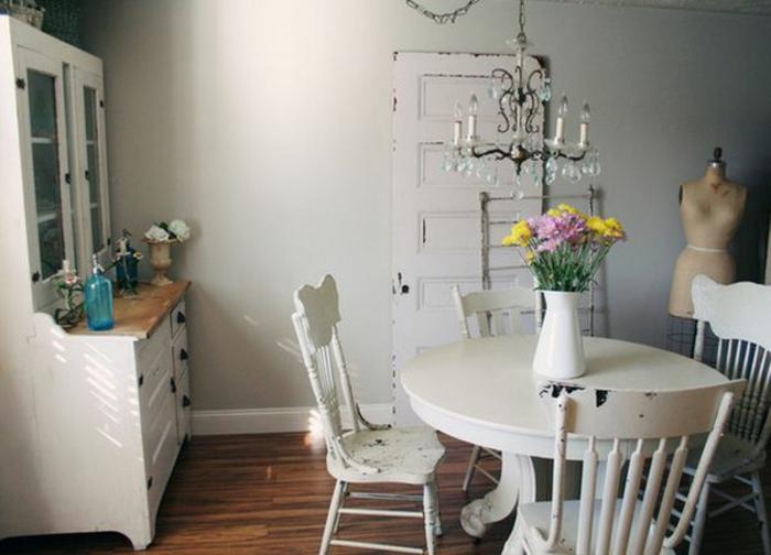shabby chic m bel sorgen f r eine dramatische. Black Bedroom Furniture Sets. Home Design Ideas