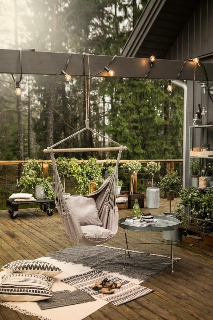 schöne Balkone gestalten Balkonmöbel Set Ideen Schaukel