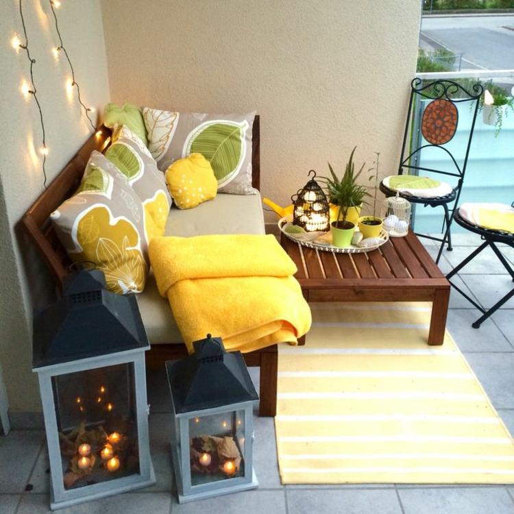 schöne Balkone und praktische Blkonideen Balkonmöbel Holz