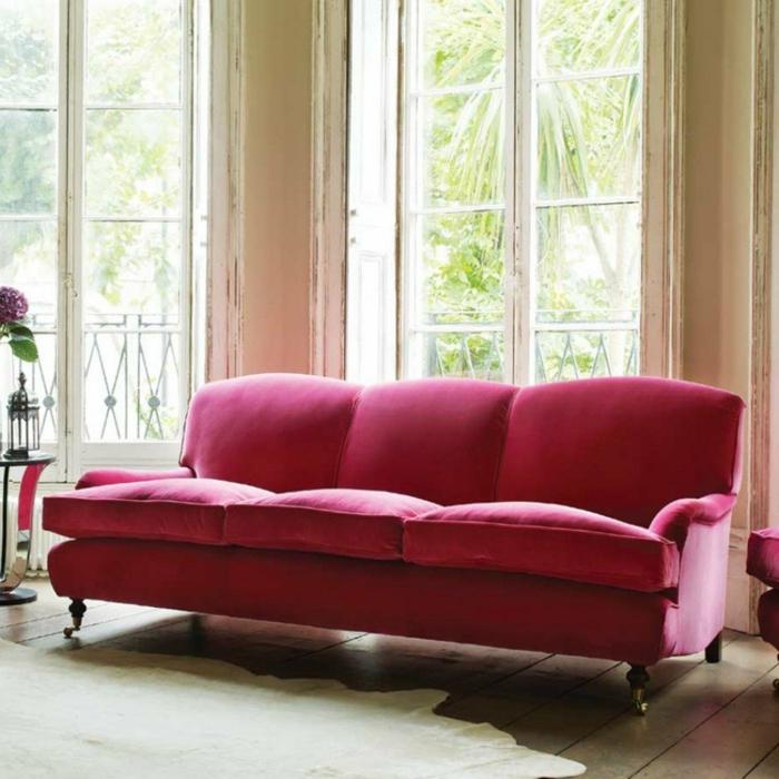schöne sofas englisches sofa krasses rot weißer teppich wohnzimmer