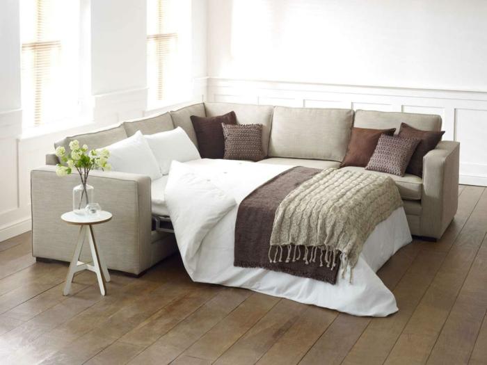 schöne sofas schlafen beistelltisch dekokissen wohnideen