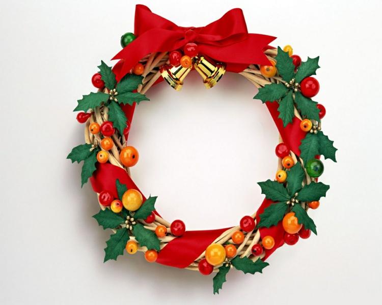 schöne weihnachtsdeko ideen weihnachtskranz basteln türkranz