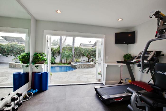 schöne wohnideen kleiner fitnessraum schöne aussicht schwimmbad