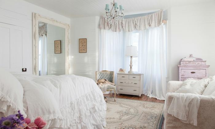 schlafzimmer kommode shabby chic möbel gardinen bettdecke
