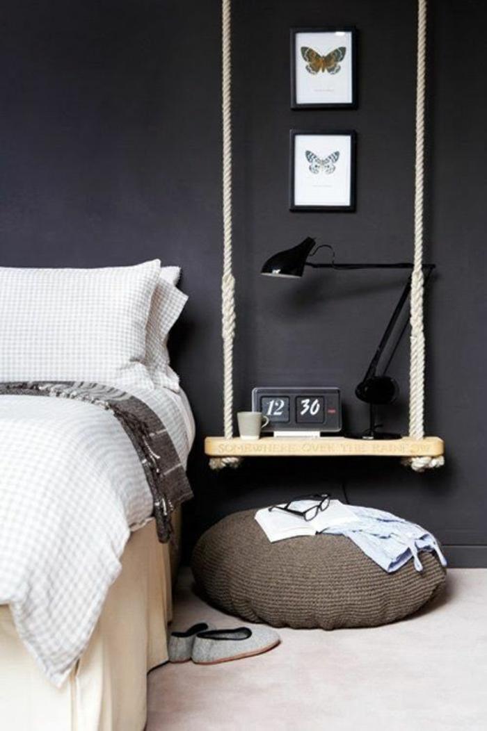schlafzimmergestaltung hängende nachtkonsole anthrazitfarbene wand sitzkissen