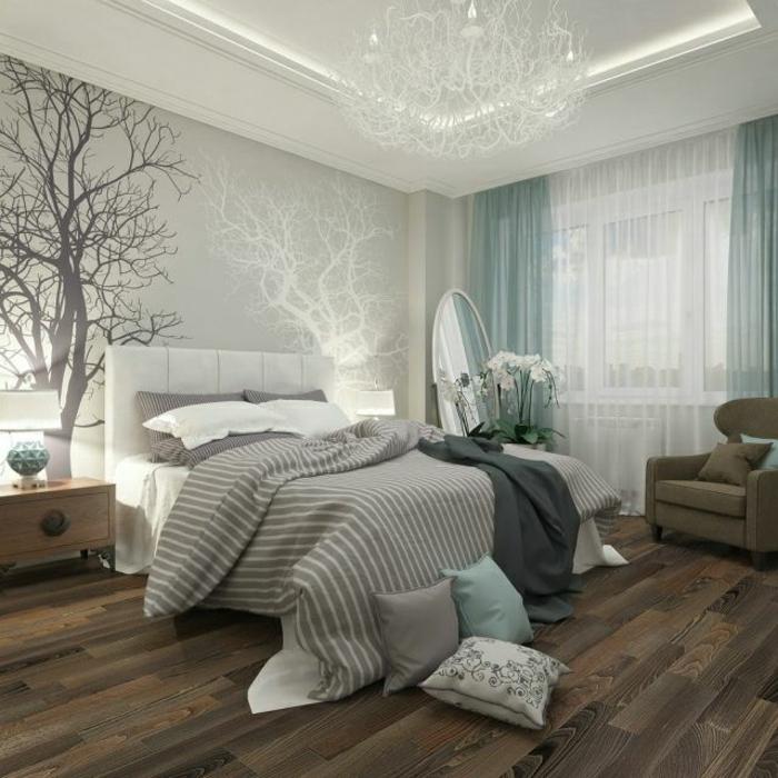 schlafzimmergestaltung hellgrau wandfarbe holzoptik laminat gestreifte bettwäsche