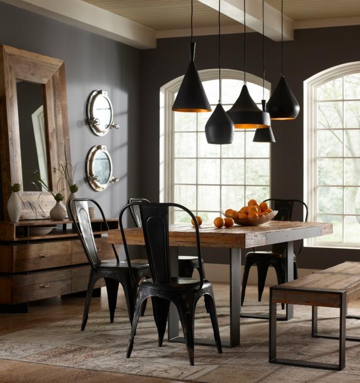 Schwarze Wandfarbe Esszimmer Gestalten Rustikale Esszimmermöbel Teppich  Spiegel