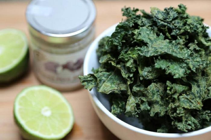 spirulina algen getrocknet gesunde nahrung