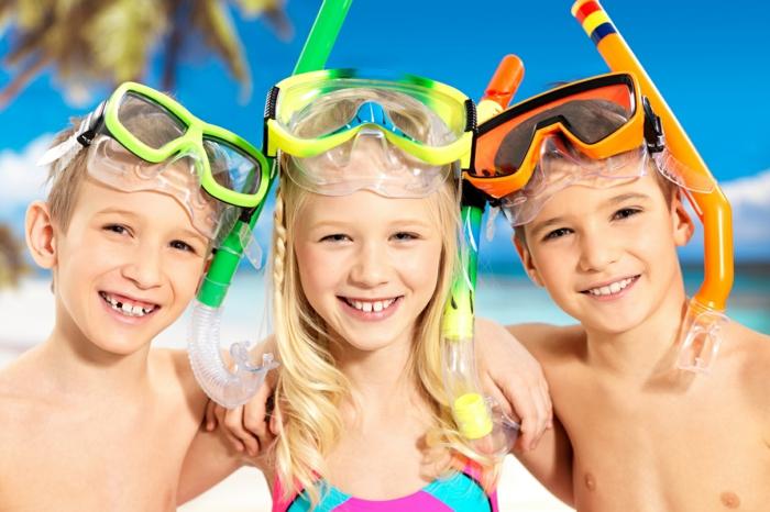 sportarten für kinder jungen mädchen schwimmen strand
