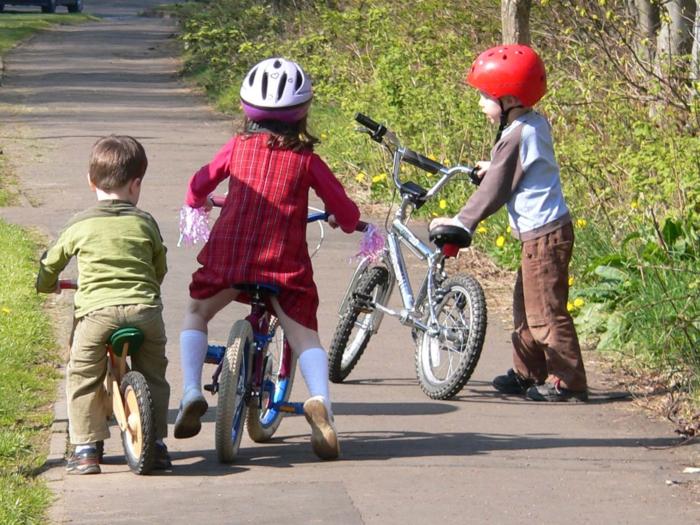 sportarten für kinder rad fahren kleine kinder