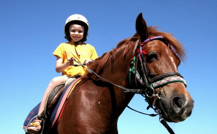 sportarten für kinder reiten pferd mächen
