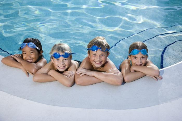 sportarten für kinder schwimmen schwimmbad
