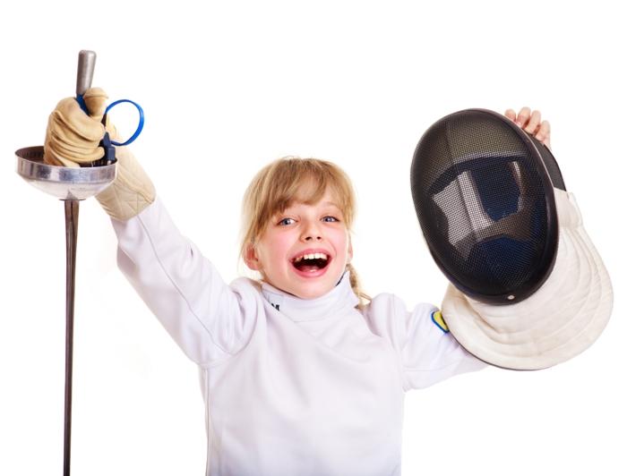 sportarten für kinder sport treiben fechten trainieren mädchen