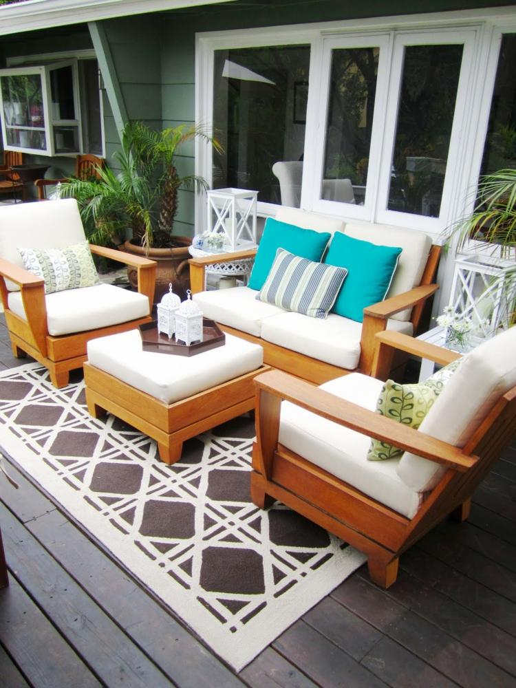 stilvolle Balkonmöbel Holz rustikale Balkonideen