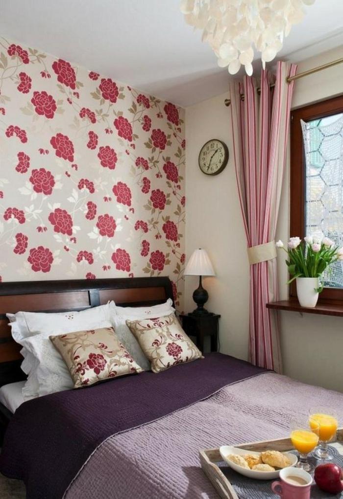 tapete vintage florales muster schlafzimmer lange blickdichte gardinen