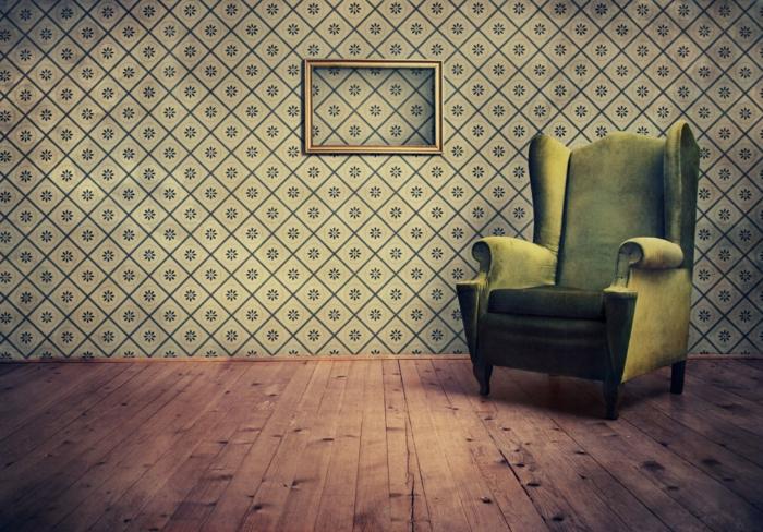 tapete vintage wohnzimmer wandgestaltung grüner sessel