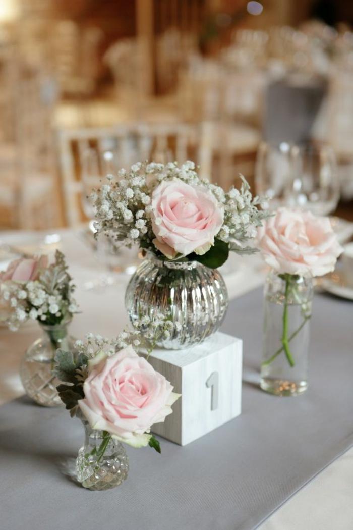 tischdeko hochzeit kleine glasvasen rosen weiße blumen